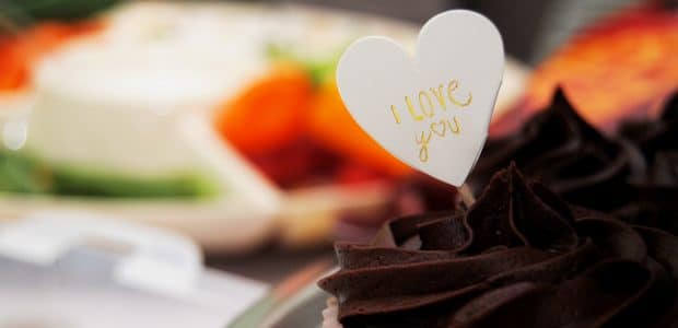 valentine day chocolate stores